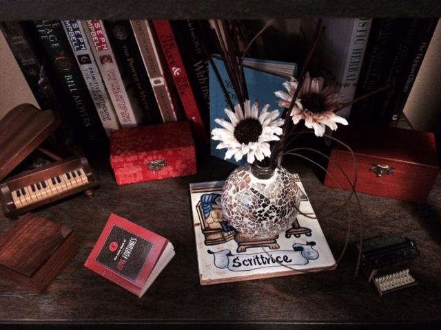 Various writing trinkets.